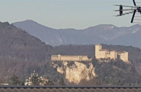 terreno edificabile con parziale vista panoramica