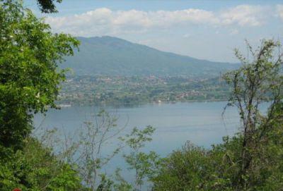 Belgirate. terreno edificabile splendida vista lago