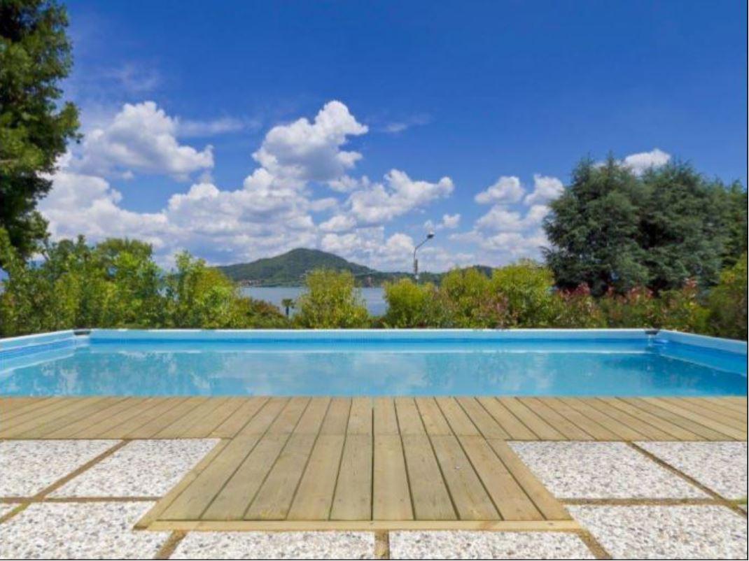 prestigiosa villa giardino piscina vista lago