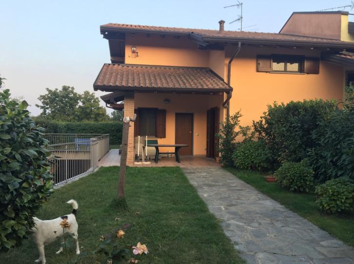 villa con giardino ottime condizioni