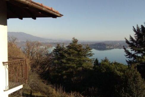 Lesa casa vista lago
