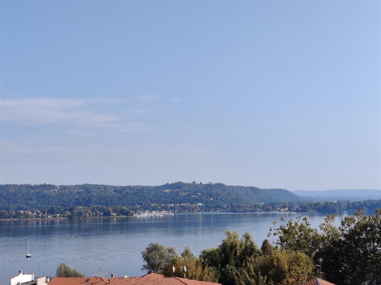 appartamento vista lago tre locali cucina abitabile autorimessa